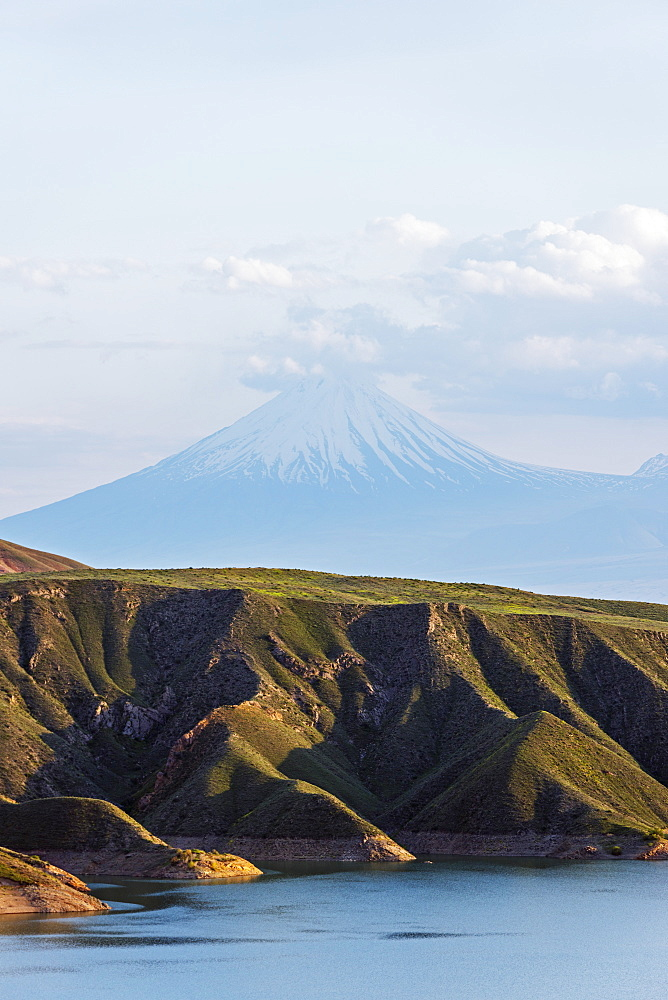 Lesser Ararat, 3925m, near Mount Ararat in Turkey photographed from Armenia, Caucasus, Central Asia, Asia