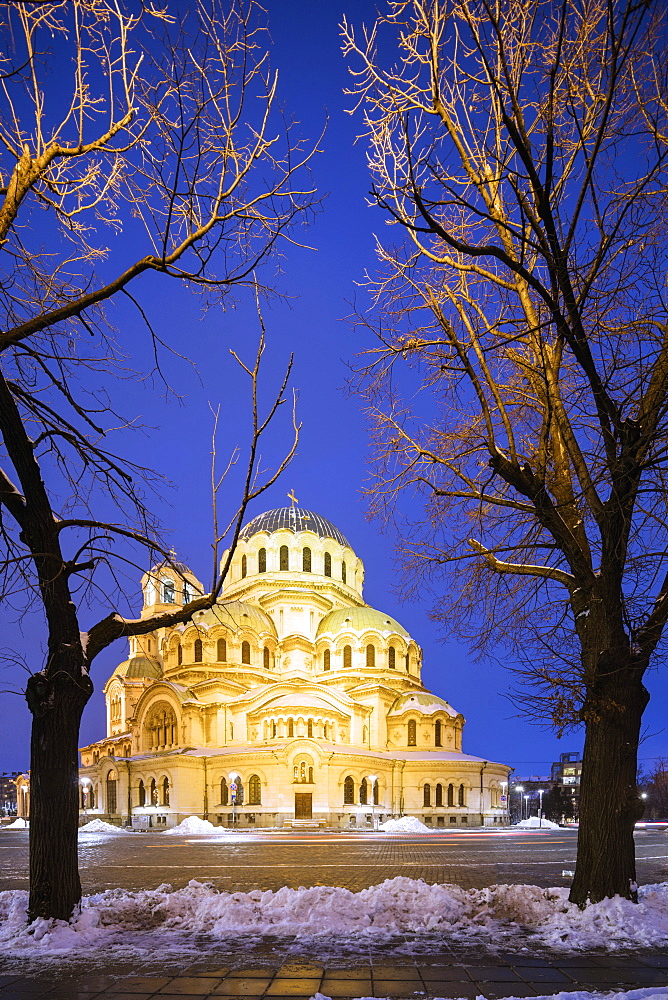 Cathedral Saint Alexandar Nevski in winter, Sofia, Bulgaria, Europe