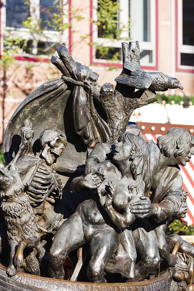 Europe, Germany, Bavaria, Franconia, Nuremberg (Nurnberg), statue