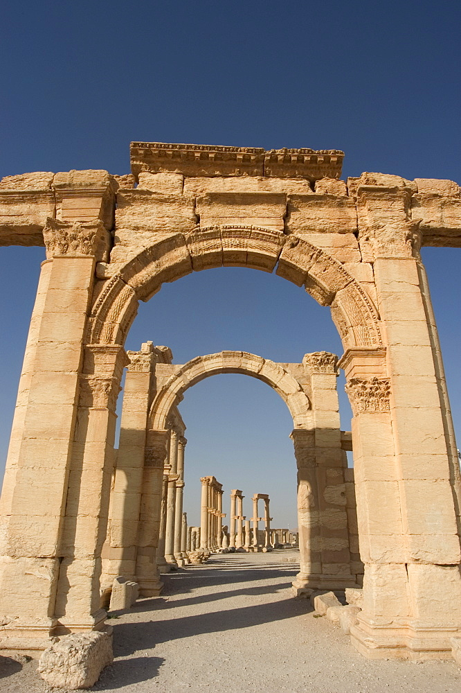 Monumental arch, archaelogical ruins, Palmyra, UNESCO World Heritage Site, Syria, Middle East