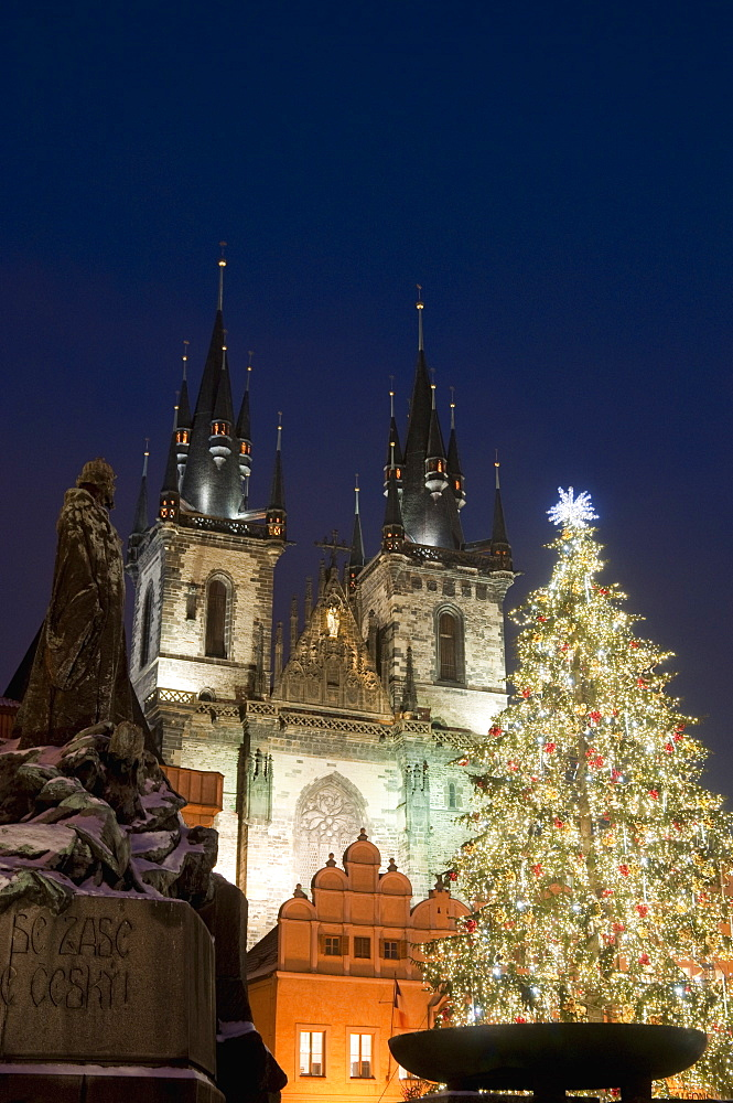 Christmas tree, Gothic Tyn church and statue of Jan Hus at night, Old Town Square, Stare Mesto, Prague, Czech Republic, Europe