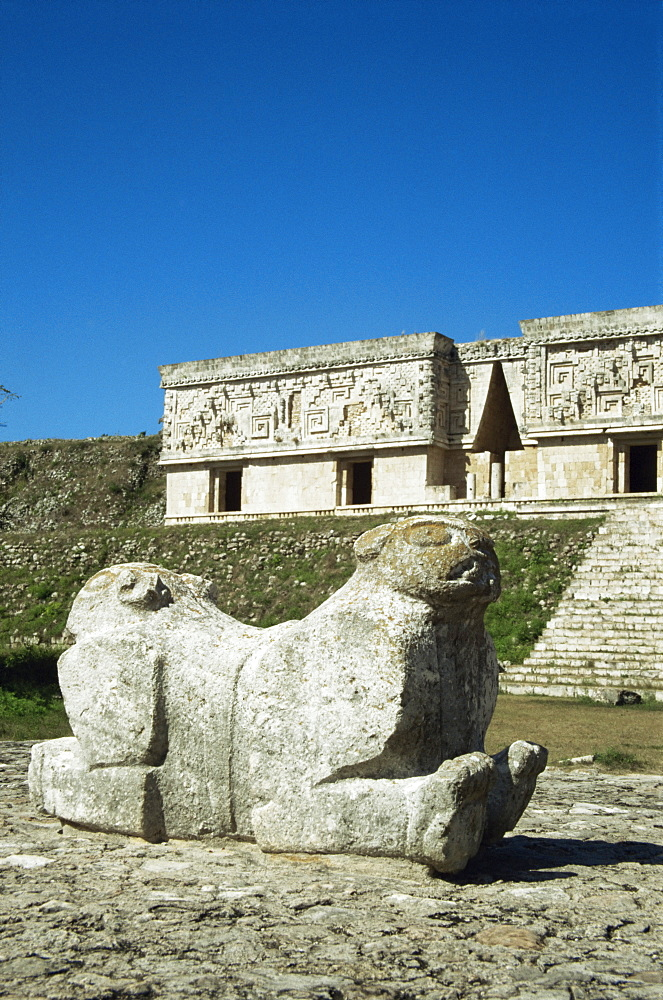 Throne of the Jaguar and Governor's Palace at Uxmal, UNESCO World Heritage Site, Yucatan, Mexico, North America