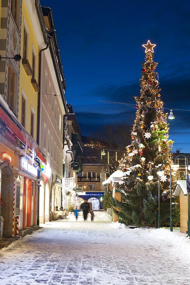Christmas market, Haupt Square, Schladming, Steiermark, Austria, Europe - 737-665