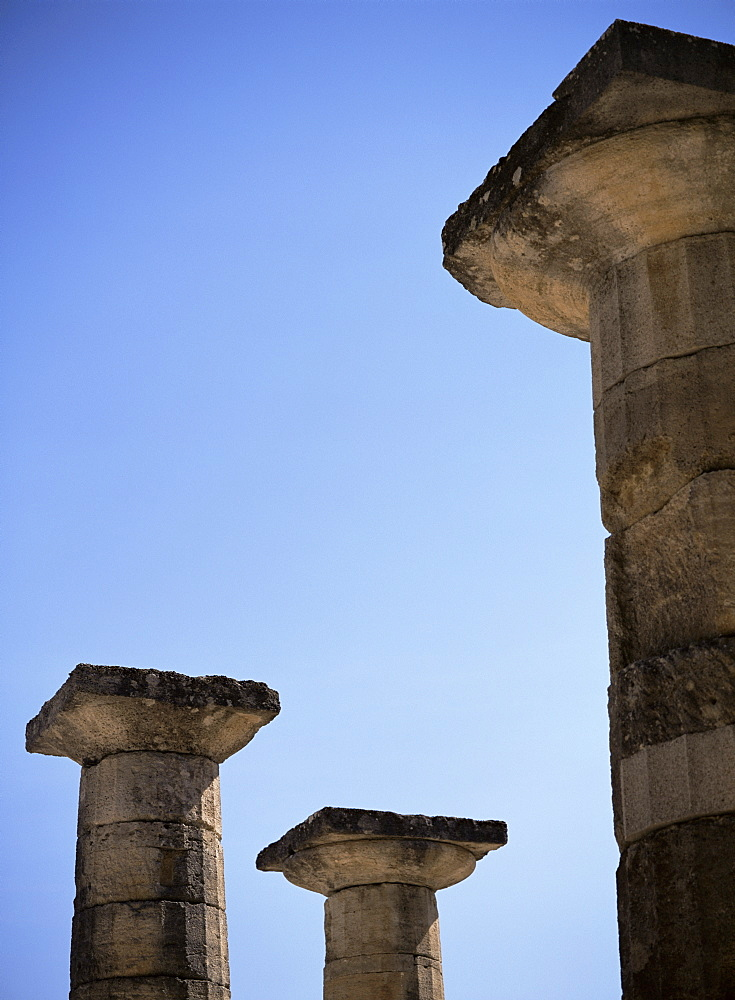 Columns of the Temple of Zeus, Olympia, UNESCO World Heritage Site, Peloponnese, Greece, Europe