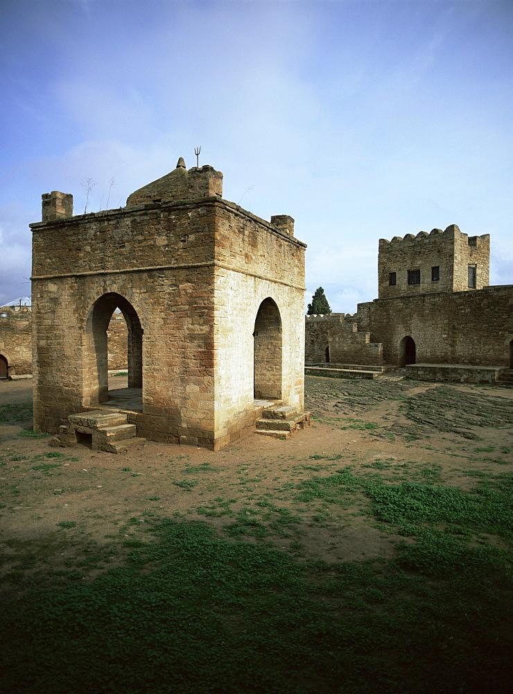 Temple of Atesgah, Zoroastrian cult, Baku, Azerbaijan, Central Asia, Asia