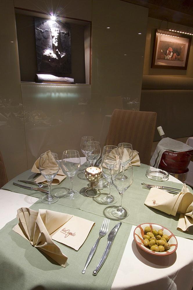 La Cigale Orientale Restaurant, 7 Avenue de Su�de, Nice, Alpes Maritimes, Provence, Cote d'Azur, French Riviera, France, Europe