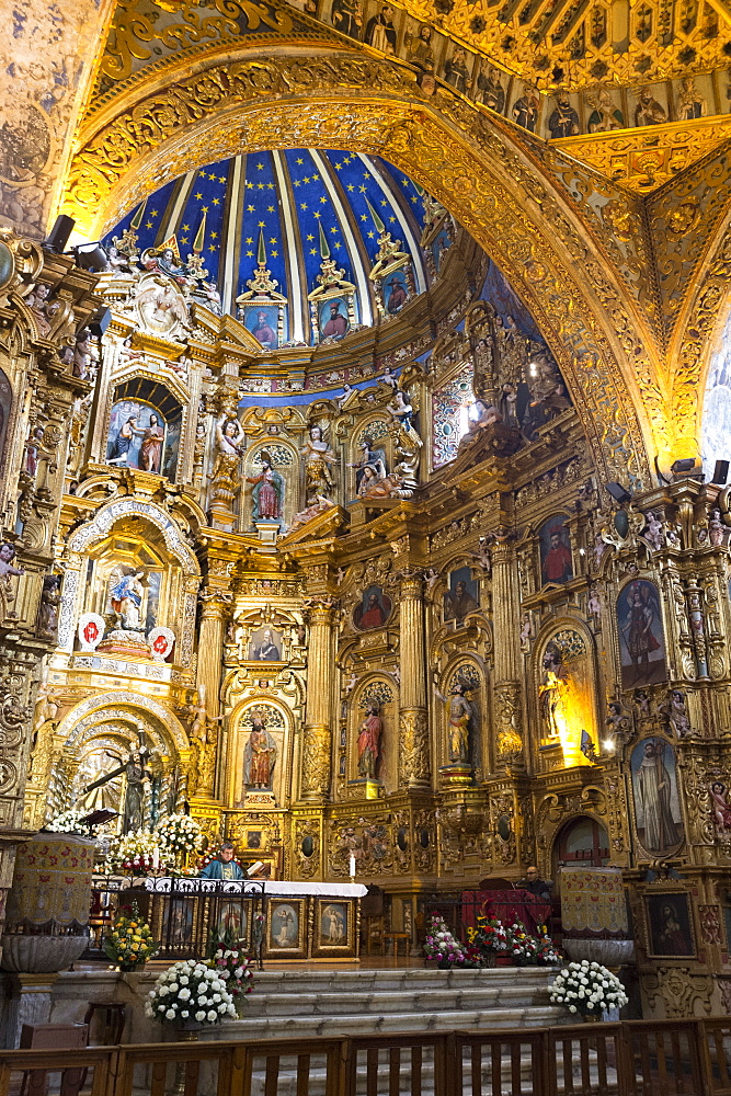 The Monastery of San Francisco, Ecuador's oldest church, founded in 1534, the church, UNESCO World Heritage Site, Quito, Ecuador, South America - 741-5635