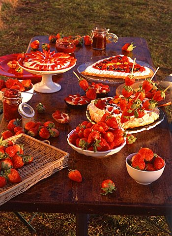 Strawberries and strawberries cake, Italy