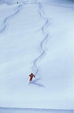 Off track skiing, Courmayeur, Valle d'Aosta, Italy