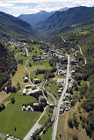 Hang gliding, Antey Saint AndrŽ, Valtourneche, Valle d'Aosta, Italy