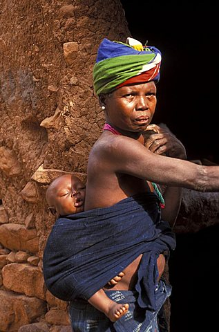 Woman and child, Republic of Mali, West Africa, Africa