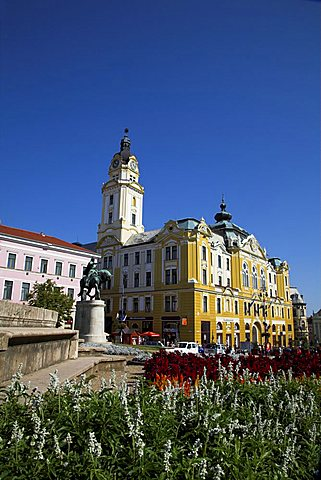 Szechenyi Ter Square with Janos Hunyadi statue and Town Hall, Pecs, Hungary, Europe