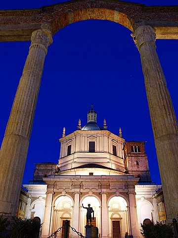 San Lorenzo church and columns at dusk, Milan, Lombardy, Italy, Europe