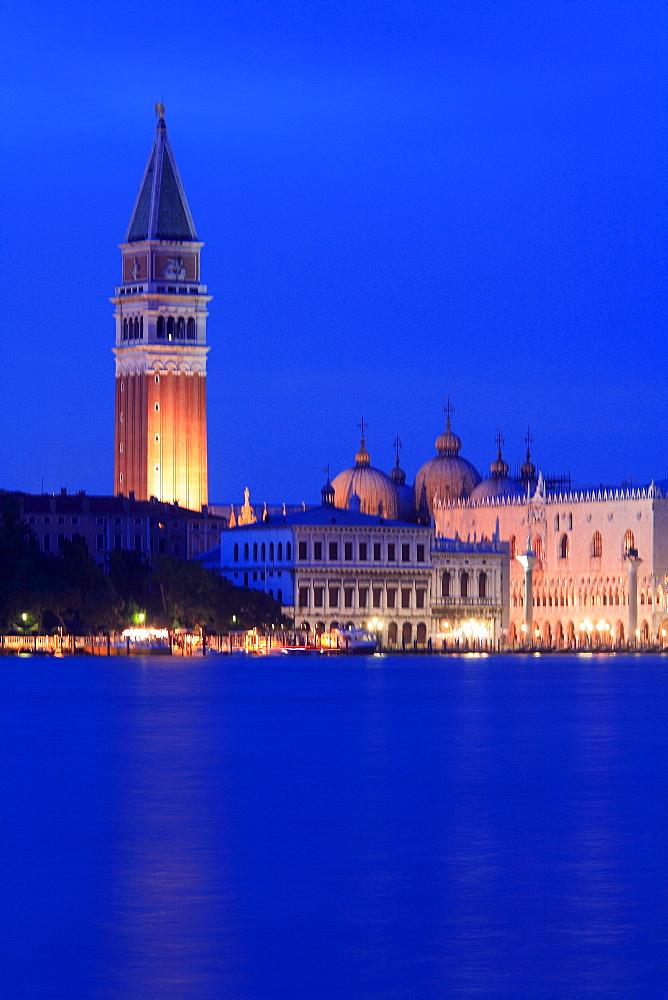Foreshortening, Venice, Veneto, Italy - 746-63289