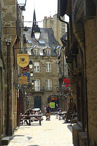 Street, historical centre, Dinan, Côtes-d'Armor department, Bretagne, France, Europe