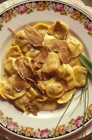 Anolini with white truffle, Emilia Romagna, Italy