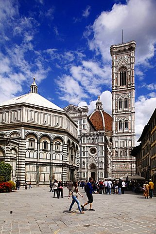 Baptistery and Santa Maria del Fiore cathedral, Florence, Tuscany, Italy, Europe, UNESCO World Heritage Site