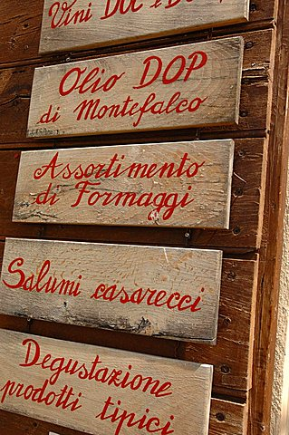 Enoteca l'Alchimista. Montefalco, Umbria, Italy, Europe