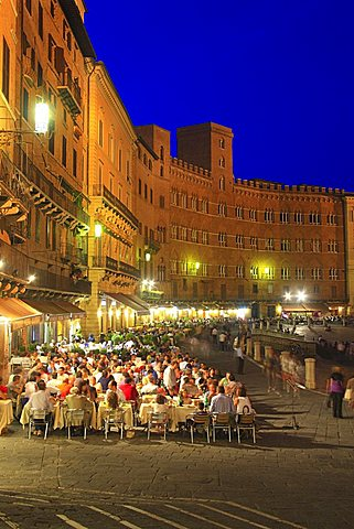 Piazza del Campo square, historic centre, UNESCO World Heritage Site, Siena, Tuscany, Italy, Europe