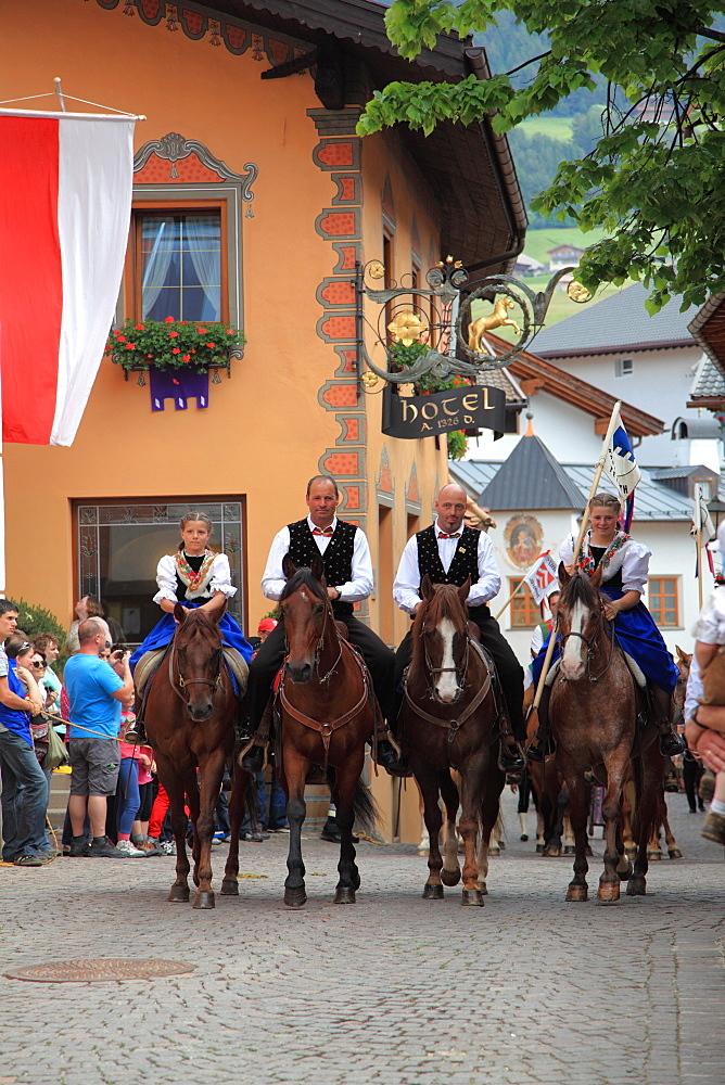 Cavalcata Oswald von Wolkenstein historical ride, Castelrotto, Alpi di Siusi, Trentino Alto Adige, Italy, Europe