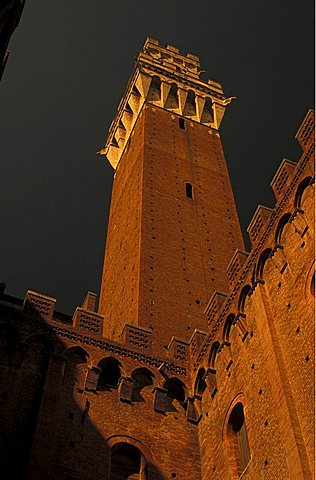 Torre del Mangia, belltower, 1342, Siena, Tuscany, Italy.