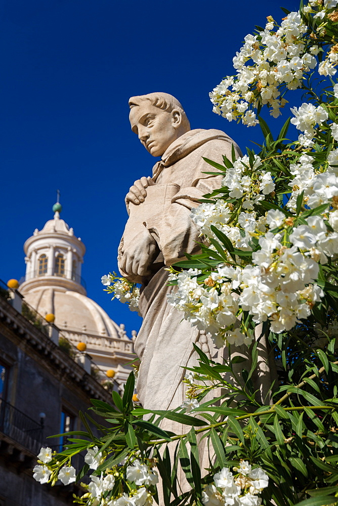 Statues of the cathedral of Catania and the dome of the Sant'Agata abbey, Catania, Sicily, Italy, Europe