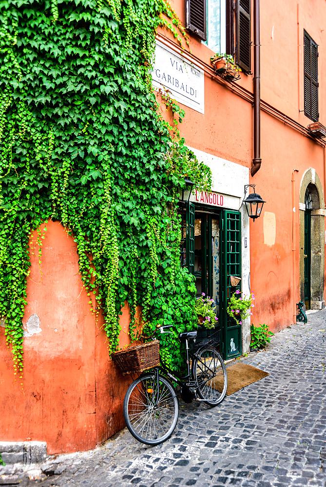 Via Garibaldi street, Trastevere district, Rome, Lazio, Italy, Europe