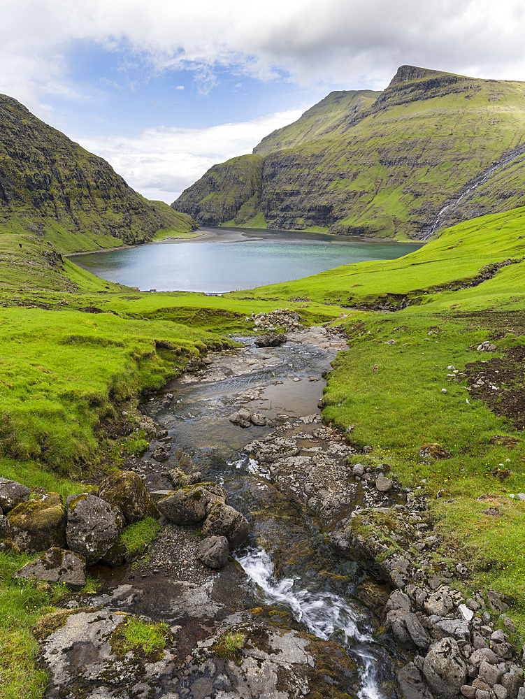 The valley of Saksun, one of the main attractions of the Faroe Islands. The island Streymoy, one of the two large islands of the Faroe Islands  in the North Atlantic.  Europe, Northern Europe, Denmark, Faroe Islands