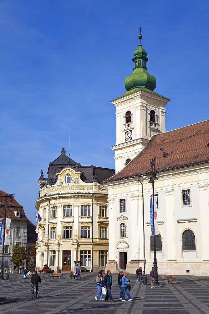 Sibiu, Hermannstadt in Transylvania, Piata Mare with town hall and roman catholic cathedral of the german saxon minority, Europe, Eastern Europe, Romania, Sibiu