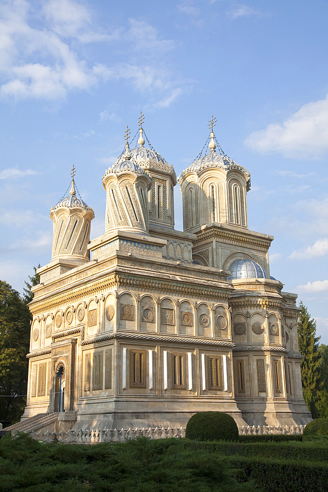Episcopal Cathedral of Curtea de Arges is one of the most important examples of religious architecture in Romania and burial place for many Romanian kings, Europe, Eastern Europe, Romania, Curtea de Arges