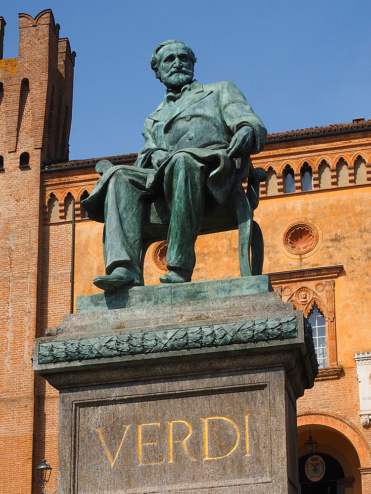Monument to Giuseppe Verdi, Piazza Giuseppe Verdi square, historical center, Busseto, Emilia Romagna, Italy, Europe