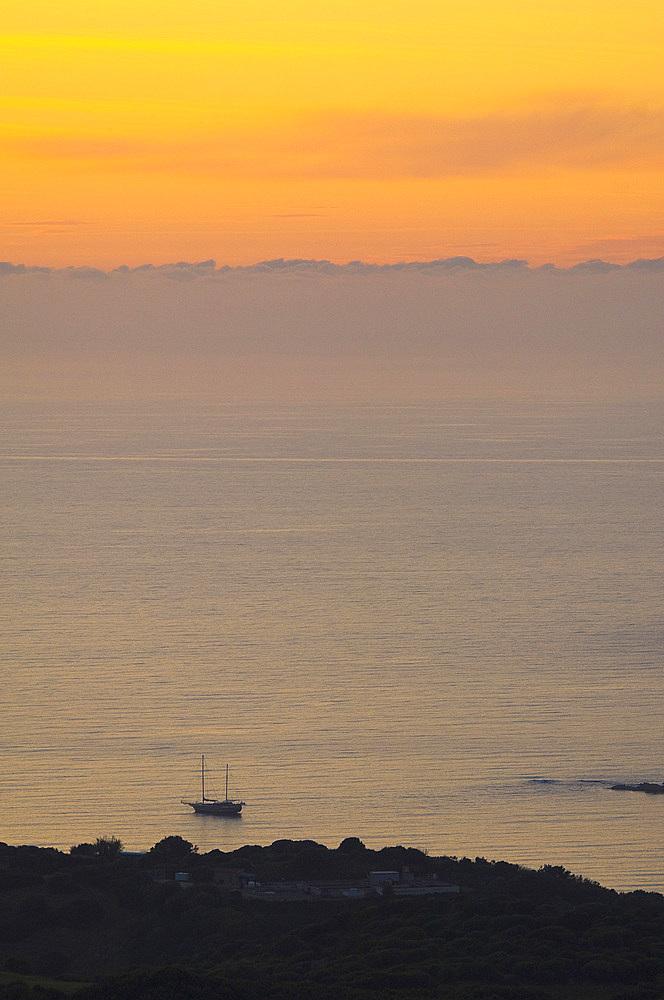 Punta Canneddi, Isola Rossa (Red Islet), Trinità d'Agultu, Sardinia, Italy, Europe
