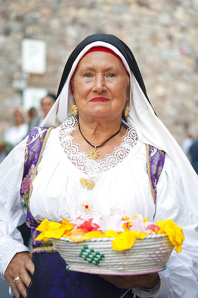 Typical dress of Terralba, Procession of Santa Maria de is Aquas, Sardara, Sardinia, Italy, Europe