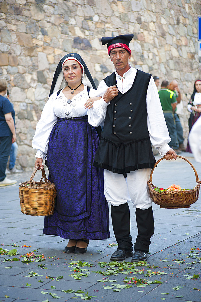 Typical dress of Terralba, Procession of Santa Maria de is Aquas, Sardara, Sardinia, Italy, Europe