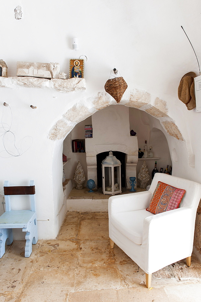 Traditional old Trullo refurbished, Ceglie, Valle d'Itria Valley, Apulia, Southern Italy, Europe