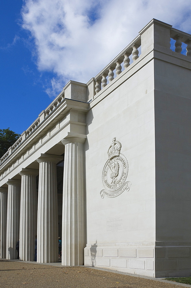 The Royal Air Force Bomber Command Memorial, Green Park, Piccadilly, London, England, United Kingdom, Europe