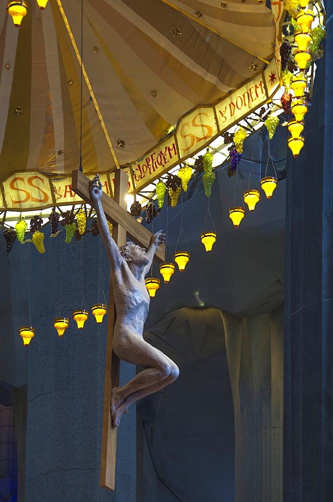 Christ on the Cross, altar piece, Sagrada Familia, Barcelona, Catalunya, Spain, Europe