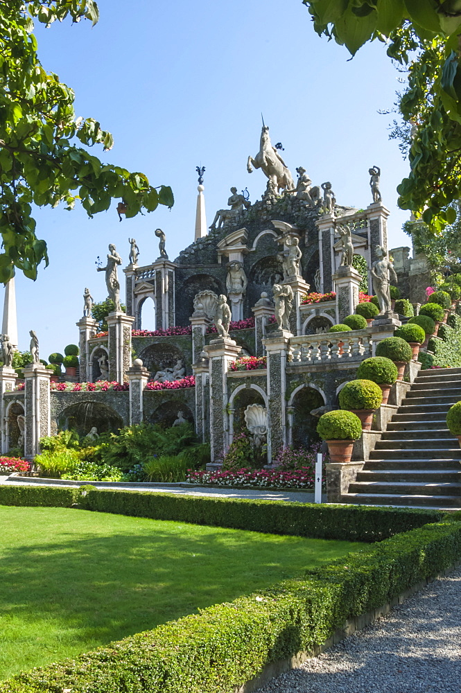 Floral Fountains, Isola Bella, Borromean Islands, Lake Maggiore, Piedmont, Italian Lakes, Italy, Europe - 747-1813