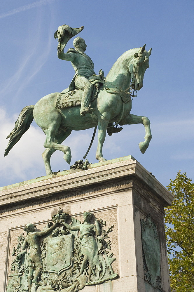 Staue of William, King of the Netherlands, founder of Grand Duchy of Luxembourg, William Square, Luxembourg, Europe