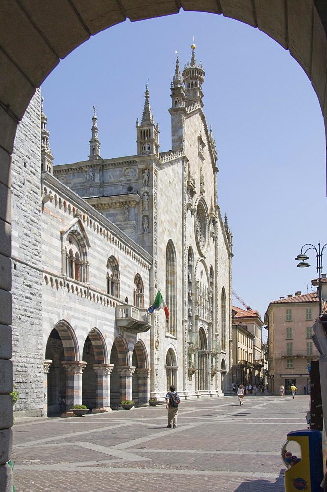 The Duomo e Broletto, City of Como, Lake Como, Italy, Europe