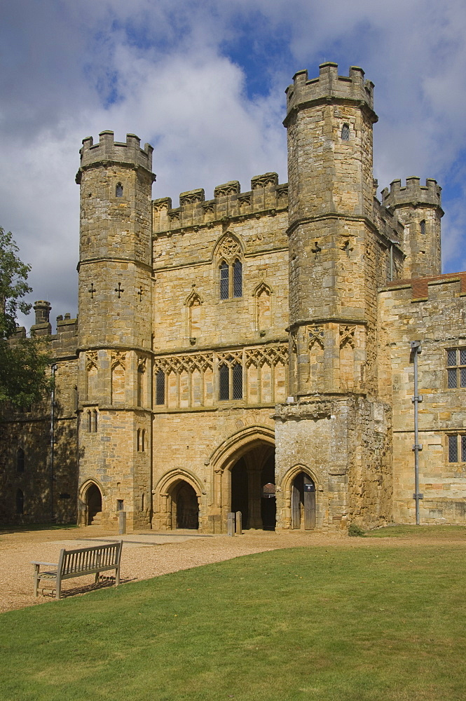 The entrance gatetower to Battle Abbey, site of the Battle of Hastings, 1066, Battle, East Sussex, England, United Kingdom, Europe