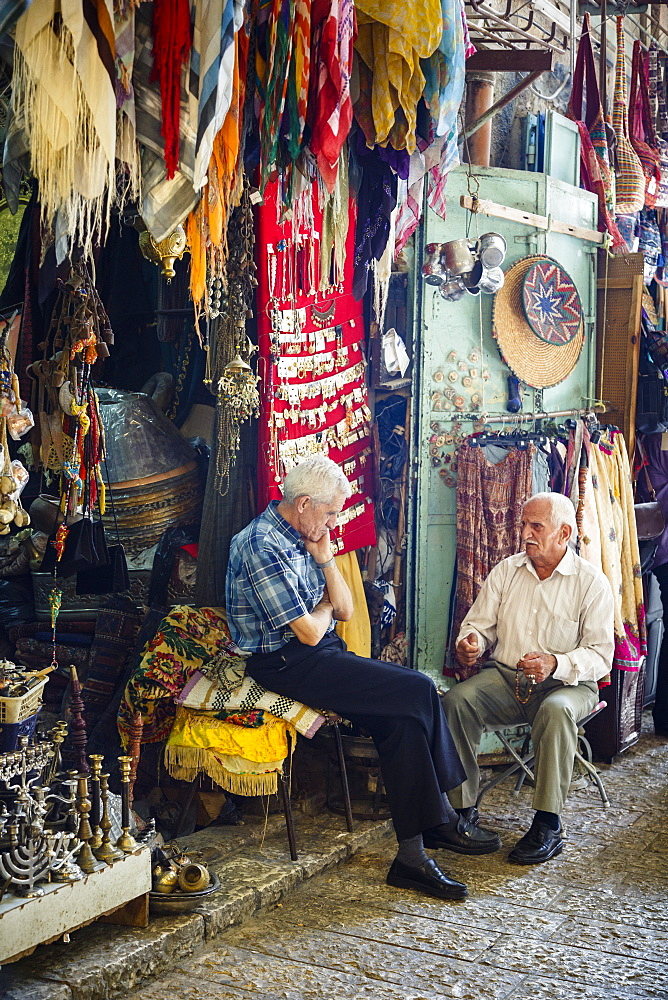 Arab souk, covered market, in the Muslim Quarter in the Old City, Jerusalem, Israel, Middle East