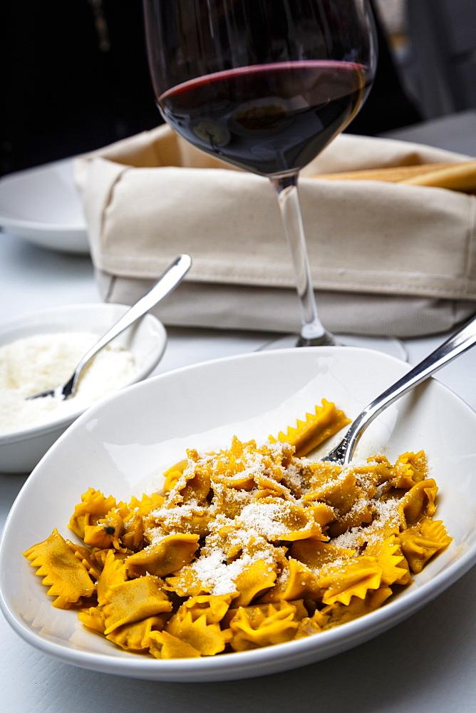 Plin ravioli, Barolo, Piedmont, Italy, Europe