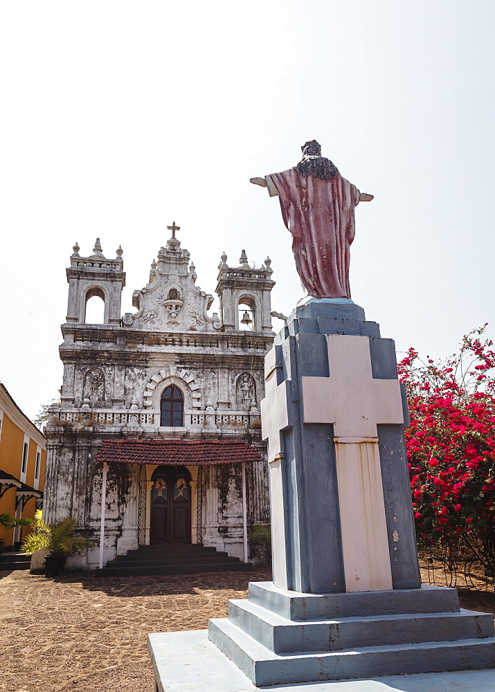 Old Portuguese church in grounds of Fort Tiracol, Goa, India, Asia