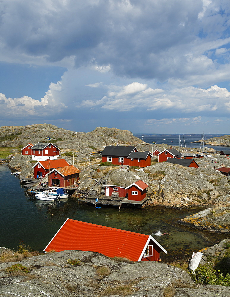 Timber houses, Vaderoarna (The Weather Islands) archipelago, Bohuslan region, west coast, Sweden, Scandinavia, Europe