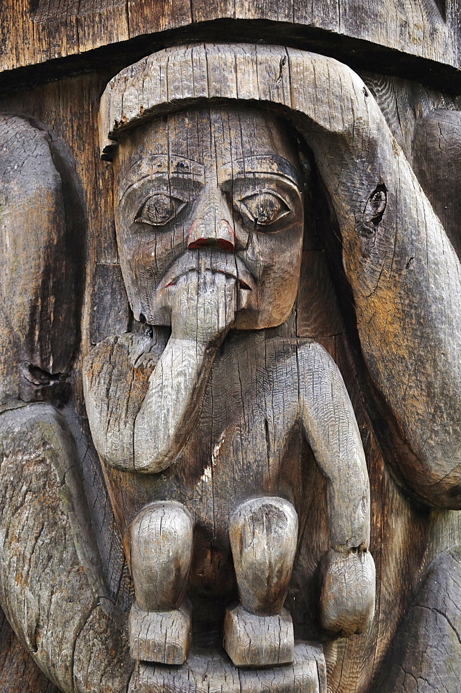 Detail of totem pole, Thunderbird Park, Victoria, Vancouver Island, British Columbia, Canada, North America - 756-1488