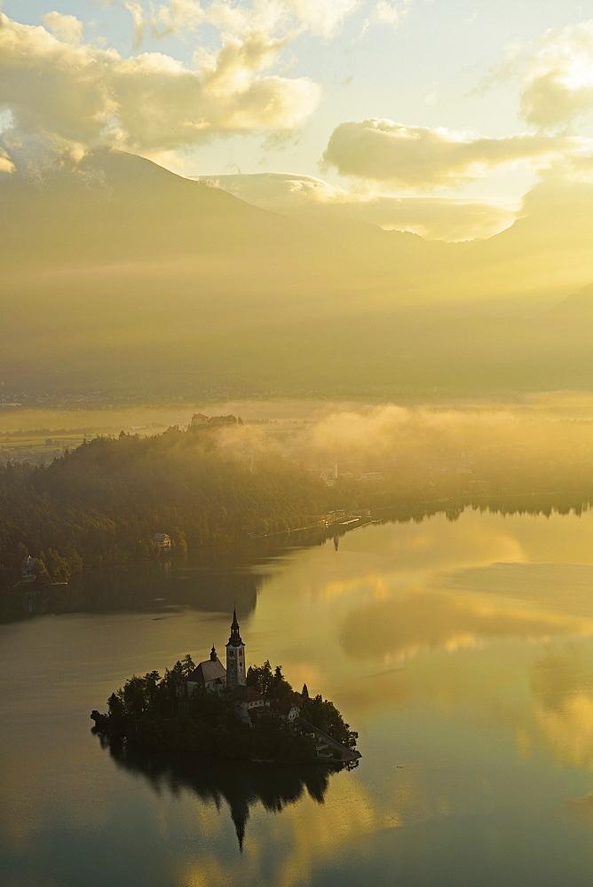 Lake Bled (Blejsko jezero), Bled, Julian Alps, Slovenia, Europe - 756-2740