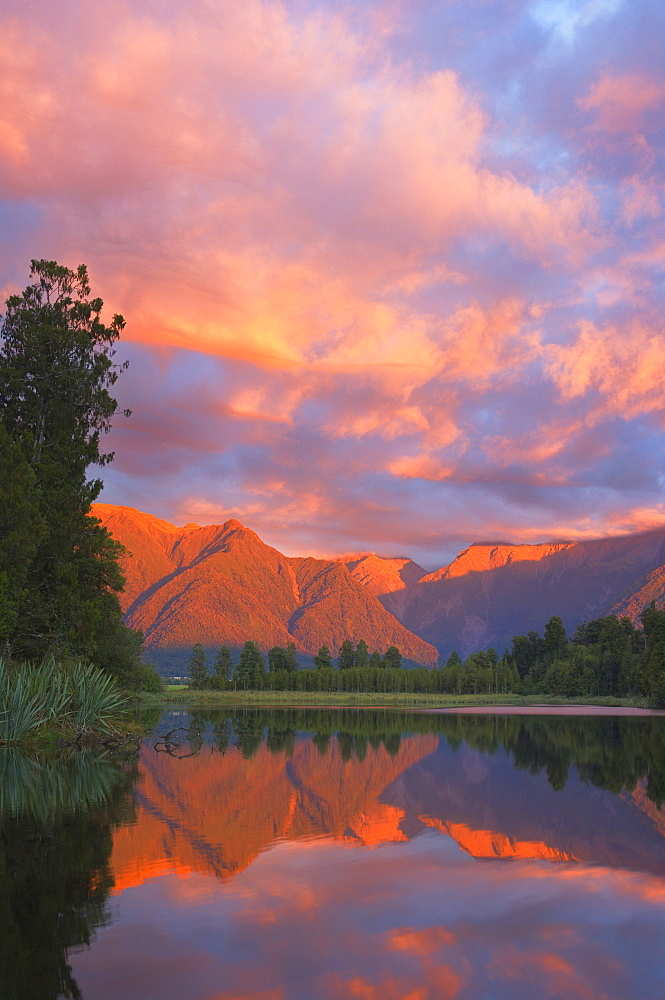Sunset, Lake Matheson and Southern Alps, Westland, South Island, New Zealand, Pacific - 756-930
