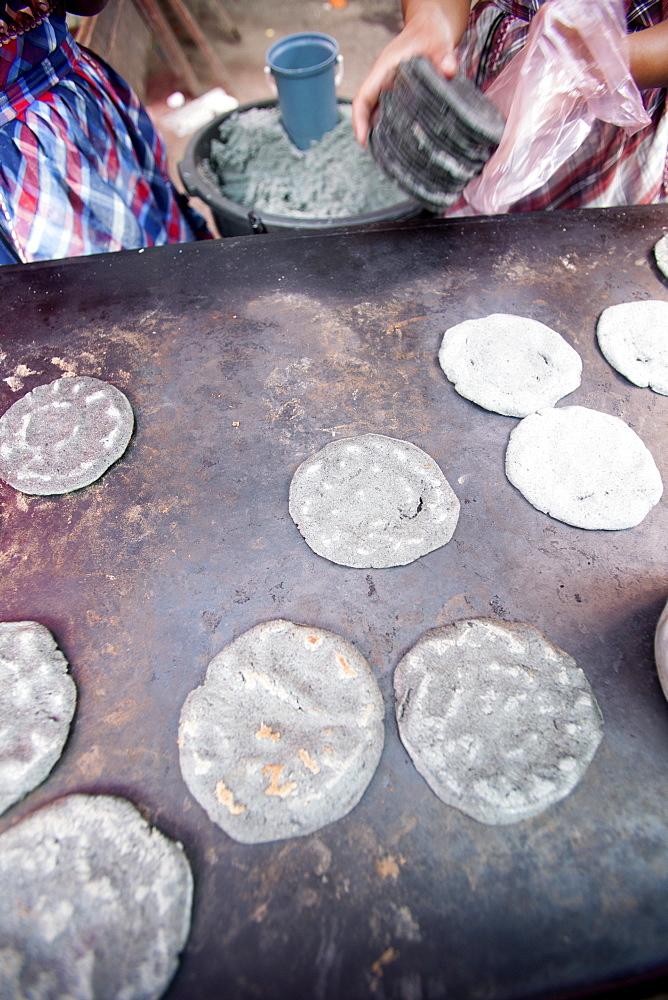 Blue corn tortillas, Chichicastenango, Guatemala, Central America - 757-255