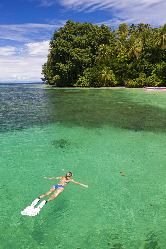 Snorkeling in Lagoon of Ahe Island, Cenderawasih Bay, West Papua, Indonesia, Southeast Asia, Asia - 759-9407